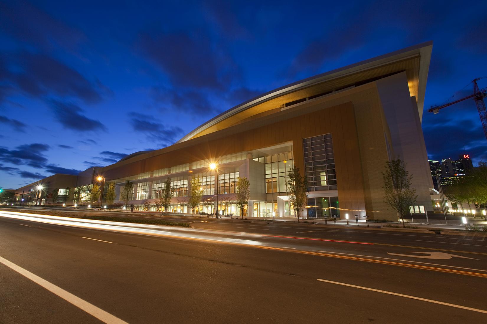 Music Center Nashville Hotels